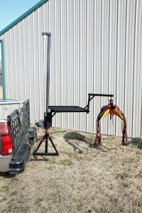 Herc-U-Lifts-Herculifts-reciever-Hitch-Saddle-Lift-Lifting-Lifter-Hoist-Portable-Winch-Remote-Control-Horse-Trailer-Hay-Bee-Bees-Hive-Hives