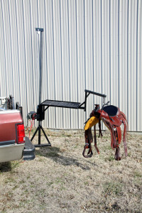 Herc-U-lifts-Herculifts-horse-saddle-Lifting-Hay-Beehive-Bee-Bees-Hives-hoist-portable-lift-trailer-remote-control-winch
