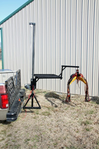 Herc-U-lifts-Herculifts-horse-saddle-Receiver-Hitch-Beehive-Hives-Hay-Bees-Bee-Saddling-Lifting-hoist-portable-lift-trailer-remote-control-winch